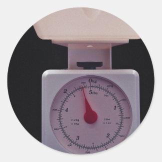 Escala de la comida para pesar la comida pegatina redonda