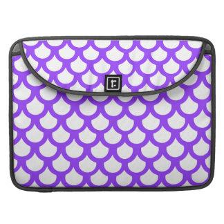 Escala de pescados violeta 1 funda para macbook pro