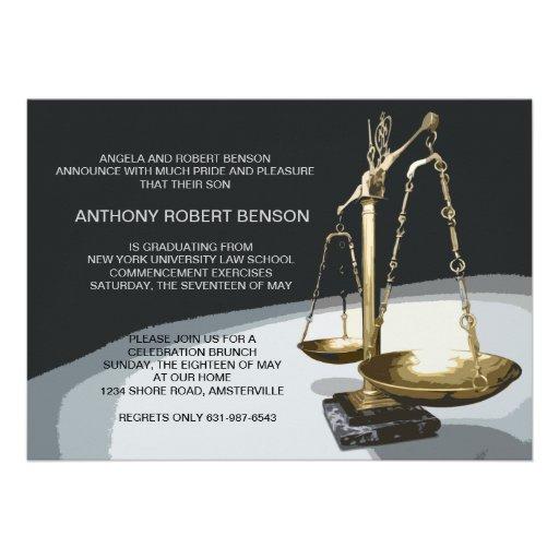 Escala del oro de la justicia, graduación Invit de Invitación Personalizada