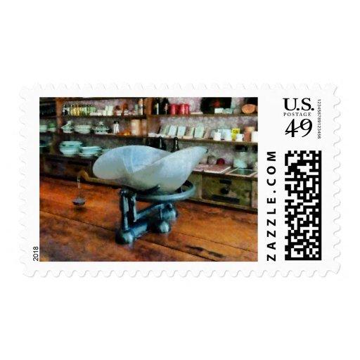 Escala en tienda general sello
