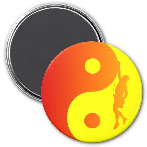Escalador de Yin y de Yang (resplandor solar) Imán Para Frigorífico