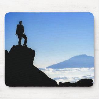 Escalador en Mt Kilimanjaro Tapete De Ratones