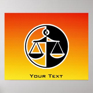 Escalas amarillo-naranja de la justicia póster