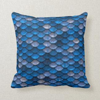 Escalas azules de la sirena cojin