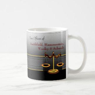 Escalas de la asesoría jurídica de la elegancia taza de café