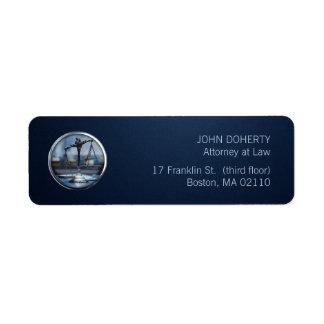 Escalas de la etiqueta de la ley azul de la justic etiqueta de remite
