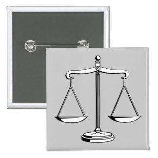Escalas de la justicia - botón de la ley pin