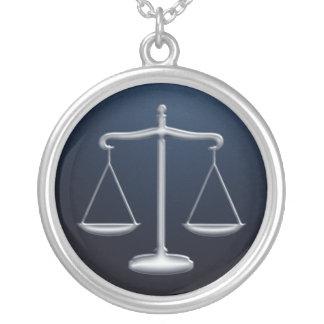 Escalas de la justicia - collar
