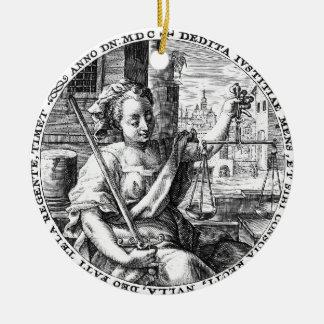 Escalas de la justicia ornamentos de reyes magos