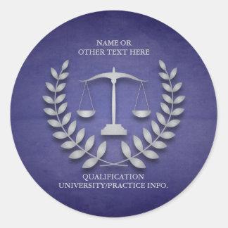Escalas de la justicia del colegio de abogados el etiqueta redonda