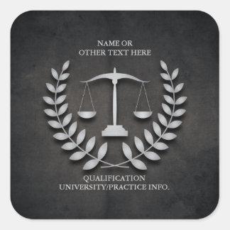 Escalas de la justicia del colegio de abogados el calcomanía cuadrada personalizada