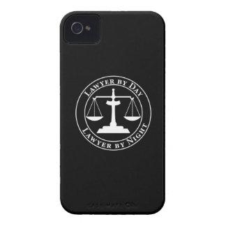 Escalas de la justicia iPhone 4 Case-Mate funda