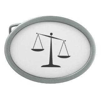 Escalas de la justicia hebilla cinturón oval
