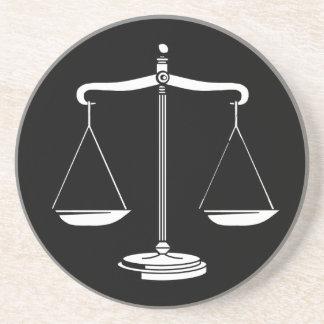 Escalas de la justicia - práctico de costa posavasos diseño