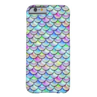 Escalas de la sirena de la burbuja del arco iris funda barely there iPhone 6