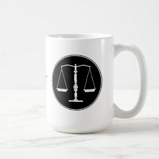 Escalas de la taza de la justicia