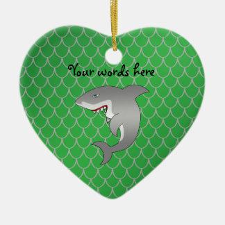 Escalas del dragón verde del tiburón adorno navideño de cerámica en forma de corazón