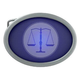 Escalas del símbolo de la ley azul de la justicia hebilla cinturon oval