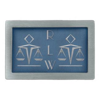 Escalas plateadas de la justicia en hebilla cinturon rectangular