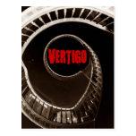 Escalera circular oscura del vértigo de Hitchcock- Postal