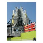 Escalera del coche de bomberos tarjetas postales