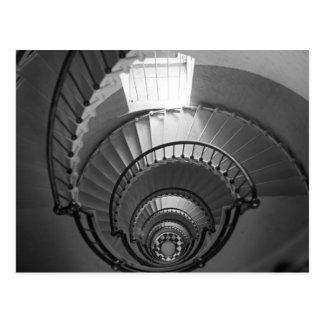 Escalera espiral del faro de B&W Tarjetas Postales