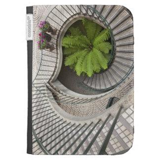 Escalera espiral en el centro de Embarcadero