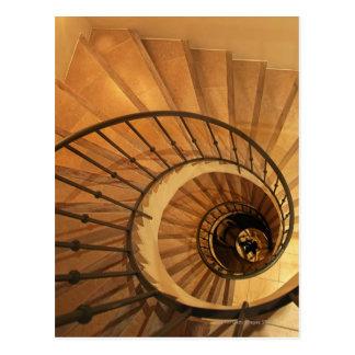 Escalera espiral postal
