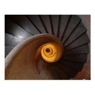 Escalera espiral vieja postal