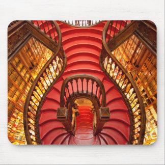 Escalera roja adornada, Portugal Alfombrillas De Ratón