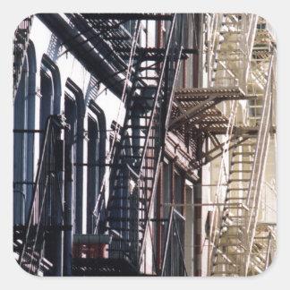 escaleras de incendios del soho calcomanías cuadradas personalizadas