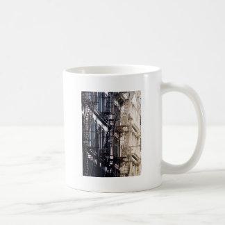 escaleras de incendios del soho tazas de café