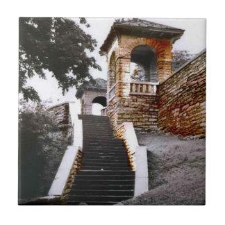 Escaleras y arcos azulejo
