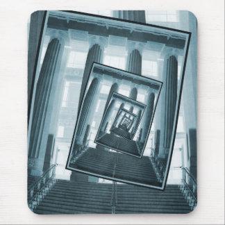 Escaleras y pilares alfombrillas de ratón
