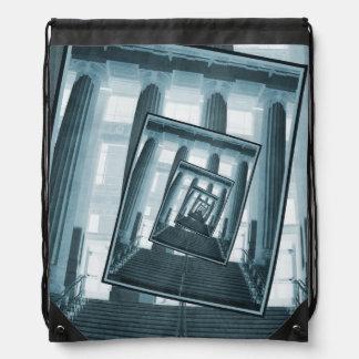 Escaleras y pilares mochilas