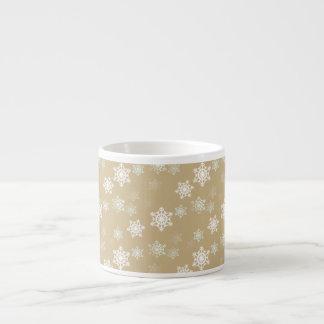Escamas mates de la nieve del oro del navidad taza espresso