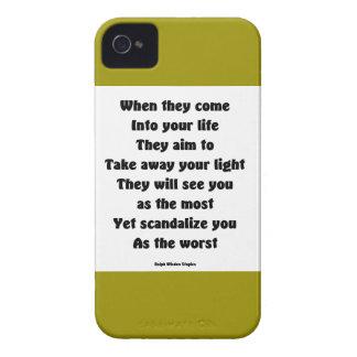Escandalicele como el peor iPhone 4 protector