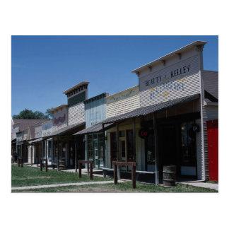 Escaparates viejos de la ciudad de Dodge en la ciu Postales