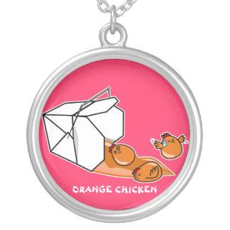 Escape anaranjado del pollo collar