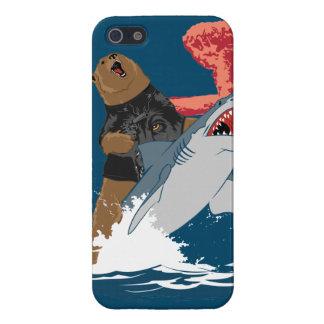 Escape del tiburón del oso iPhone 5 carcasas