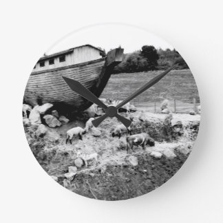 Escape from the Ark Round Clock