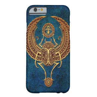 Escarabajo egipcio con alas con Ankh - azul del Funda De iPhone 6 Barely There