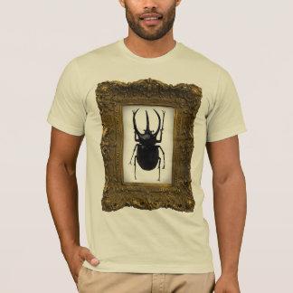 Escarabajo en un marco playera