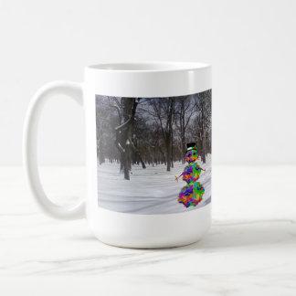 Escarchado el virus en la nieve taza