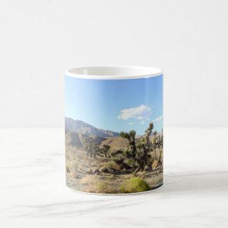 Escena 06 del desierto de Mojave Taza