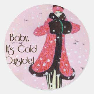 Escena 1913 de la moda del invierno del art déco pegatina redonda
