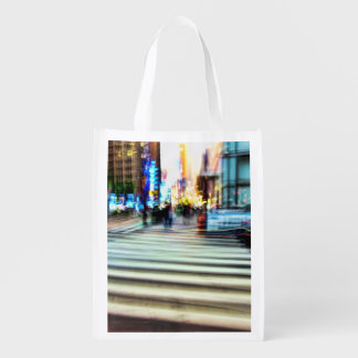 Escena abstracta borrosa colorida de la calle de N