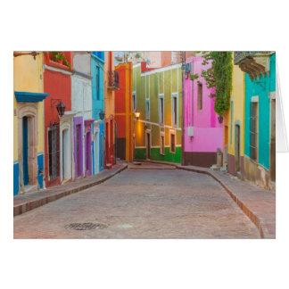 Escena colorida de la calle tarjeta de felicitación