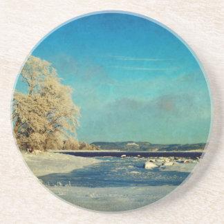 Escena costera del invierno posavasos personalizados