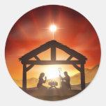 Escena cristiana del navidad de la natividad pegatina redonda